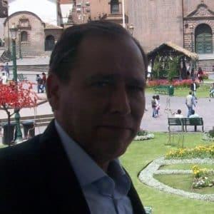 Dr. Fernando Delgado Alvizuri